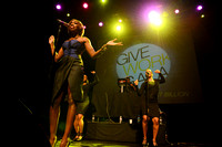Estelle in concert at Samasource Give Work Gala